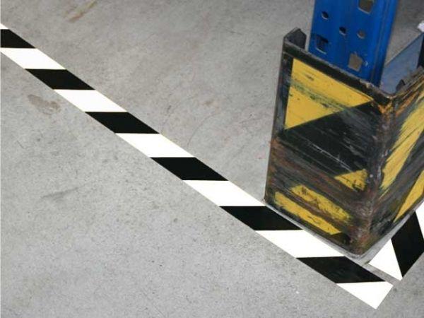 Bodenmarkierungsband - selbstklebend - schwarz/weiss - 50mmx33m